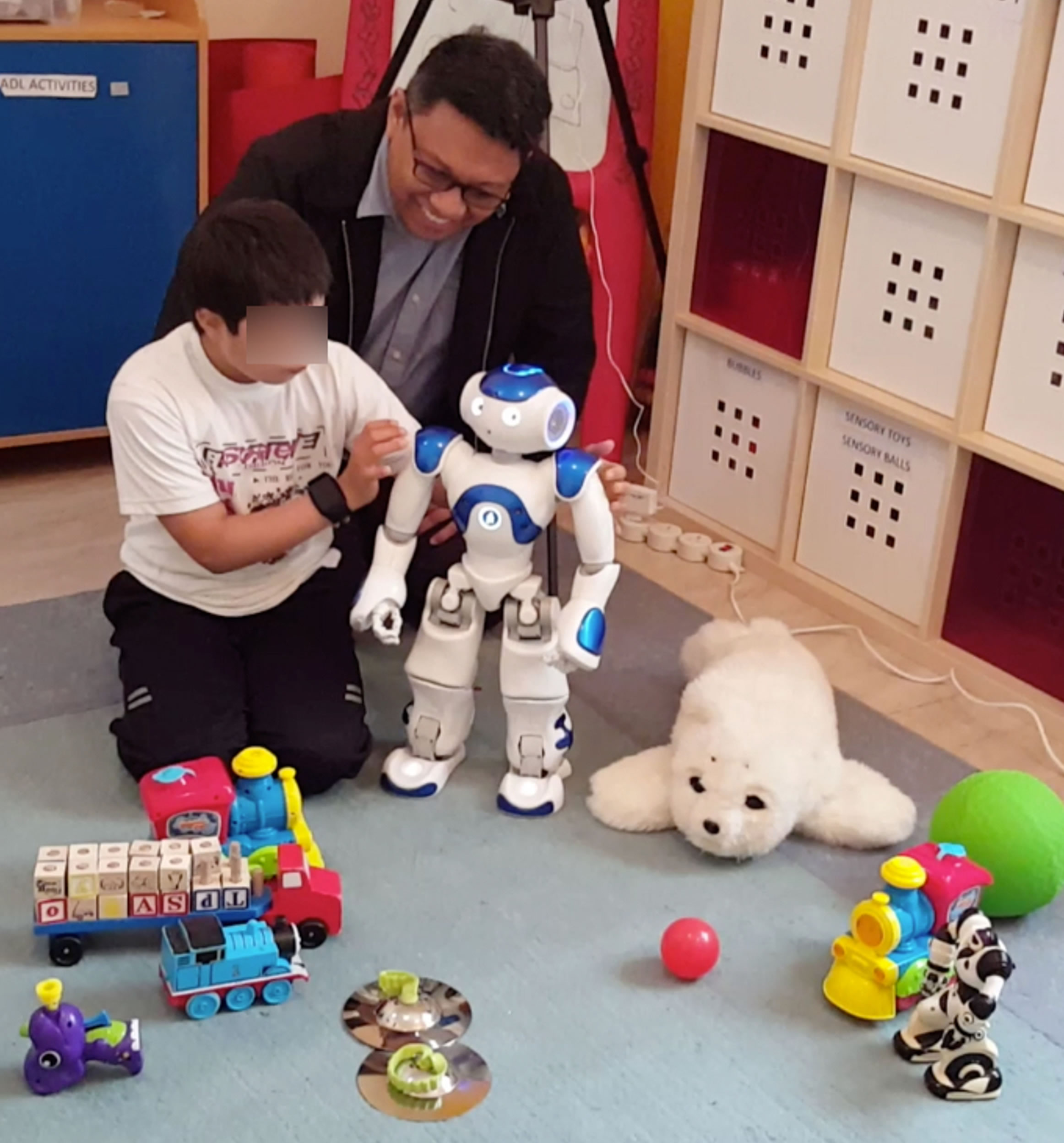 Social robots at center of autism therapy research